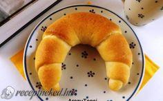 Kefíres kiflik recept fotóval Bagel, Food, Breads, Products, Bread Rolls, Essen, Bread, Meals, Braided Pigtails