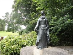 Grainne Ni Mhaille (Grace O'Malley) The Pirate Queen- Westport, County Mayo, Ireland - Statues of Historic Figures on Waymarking.com
