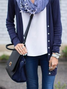 Super cute and simple. A wide range of blues will help you to keep the focus on your face. Plus the blues work very well together.