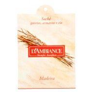 Uma fragrância viva e elegante que combina uma saída cítrica e toques de ervas aromáticas, com no...