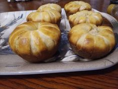 Sajtos muffin Muffins, Garlic, Vegetables, Breakfast, Food, Morning Coffee, Muffin, Essen, Vegetable Recipes