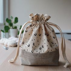 Organise your knitting projects - Alex Collins Drawstring Knitting Project Bag :. Organise your knitting projects - Alex Collins Drawstring Knitting Project Bag : Organic cotton, handprinted drawstring . Loom Knitting Projects, Knitting Patterns, Sewing Projects, Project Projects, Free Knitting, Cotton Bag, Cotton Drawstring Bags, Chunky Yarn, Knitting For Beginners