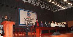 Diplomas de 2013 da UNIA entregues em Abril de 2015, segundo jornal http://angorussia.com/noticias/angola-noticias/diplomas-de-2013-da-unia-entregues-em-abril-de-2015-segundo-jornal/