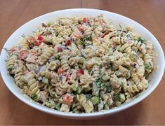 Liian hyvää: Pastasalaatti lämminsavulohesta My Favorite Food, Favorite Recipes, Finnish Recipes, Street Food, Food Inspiration, Potato Salad, Side Dishes, Easy Meals, Food And Drink