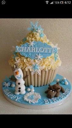 Giant Cupcake Mould, Large Cupcake Cakes, Big Cupcake, Cupcake Cake Designs, Giant Cupcakes, Fun Cupcakes, Torte Frozen, Frozen Theme Cake, Frozen Party