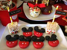 Mickey Oreos at a Mickey Mouse Party #mickeymouse #oreos