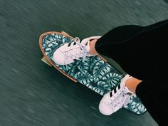 Barbados Surfing conditions are ideal for any level of surfer. Barbados is almost guaranteed to have surf somewhere on any given day of the year. Longboard Design, Skateboard Design, Skateboard Art, Carver Skateboard, Surfboard Art, Skates, Siper Man, Slytherin, Skate Girl