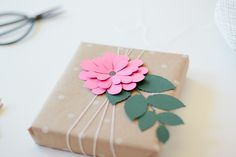 gift wrap: pink bloom via ANASTASIA MARIE