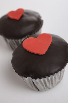 heart. Sweet Cupcakes, Baked Goods, Sweets, Baking, Heart, Desserts, Food, Sweet Pastries, Bread Making