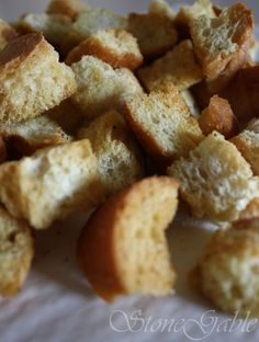 StoneGable Caesar Salad Croutons, cubed crusty bread drizzle with evoo and butter and garlic powder and seasonings you enjoy bake 20 min 400 degree oven Caesar Salad Crouton Recipe, Crouton Recipes, Ceasar Salad, Soup Recipes, Salad Recipes, Cooking Recipes, Salad Croutons, Diet Recipes, Recipies