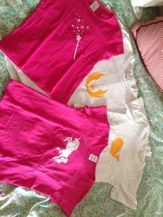 Tee shirt customisé pour en faire des haut de pyjamas