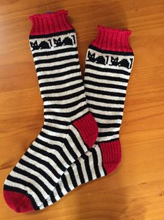 Ravelry: Croozy Catz Socks pattern by Judy Kennedy Fair Isle Knitting, Ravelry, Give It To Me, Stripes, Fun, Slippers, Cats, Inspiration, Image