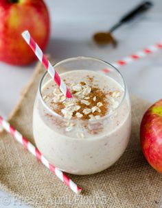 This healthy smoothie has nothing but simple ingredients: a large apple (of a sweeter variety– like Macintosh), some unsweetened almond milk (you may certainly use cow's milk if you'd like), some plain Greek yogurt, a bit of oats, some spices, a few ice cubes, and just a touch of honey, if you need it. Whip it up in a strong blender and you'll be sipping your pie in no time! Via @frshaprilflours