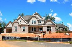 Transform Your Dream Home Into a Reality: 4 Tips for Finding a Builder