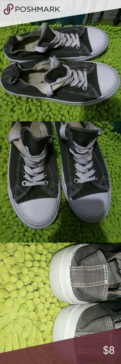 Converse-(Like) Sneakers /Grey size 7 Grey Converse - like shoes. Good used condition . Freshly laundered. Size 7 women's. Shoes Sneakers
