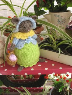 Lovely crochet storybook mouse inspired by by dollsandbunnies