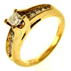 1.06ctw Princess Cut Diamond in 14K Yellow Gold Ring http://www.propertyroom.com/listing.aspx?l=9715275