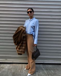 BABY BLUE & BEIGE? #FALLDRESSING #autumn #ootd #whatiwore #lookoftheday #style #outfit #mystyle #instafashion #fashionstyle #fashionblogger Beige Pants Outfit, Blue Shirt Outfits, Jean Outfits, Chic Outfits, What I Wore, What To Wear, Baby Blue Pants, Yves Saint Laurent, Suit Fashion