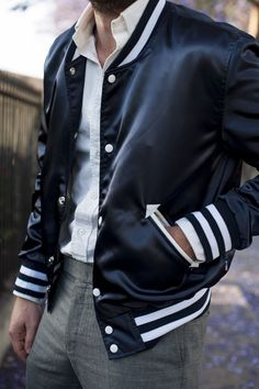 The Classy Issue: Photo Best Mens Fashion, Men's Fashion, Fashion Styles, Fashion News, Dapper Gentleman, Satin Bomber Jacket, Well Dressed Men, Stylish Men, Cool T Shirts