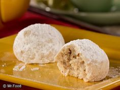 Russian Tea Cakes - A classic holiday cookie favorite!