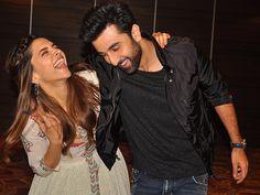 Deepika Padukone & Ranbir Kapoor, The Friendliest Ex Ever! - Indiansite