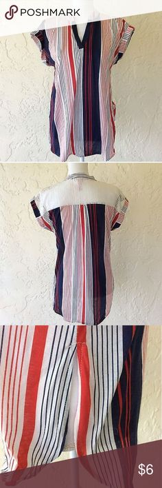 No Boudaries Women's Striped Top Pre-owned. No Flaws. 100% polyester.  Measurements Bust (under arm) 21 in Length 26 in No Boundaries Tops Blouses