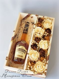 Liquor gift box with chocolate candy paper flowers Chocolate Flowers, Chocolate Bouquet, Homemade Gifts, Diy Gifts, Alcohol Gifts, Sweet Box, Candy Bouquet, Flower Boxes, Amazing Flowers
