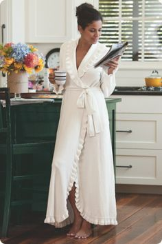 Ruffled Chenille Robe #SMOOTHOPERATOR and #FIRSTAIDBEAUTY