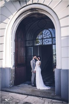 © Amy Faith Photography  Destination wedding in Italy Contemporary, chic, modern wedding photography