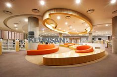 Modern library Designed by Kids Library, Modern Library, Library Design, Shop Front Design, Store Design, School Architecture, Interior Architecture, Kids Church Rooms, Shopping Mall Interior