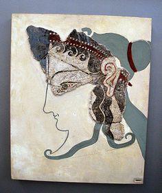 mycenaean-priestess