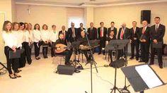 TMMOB Makine Mühendisleri Odası Bursa Şubesi Türk Sanat Müziği Korosu, Yaşlılar Haftası kapsamında Nilüfer Belediyesi İnci ve Taner Altınmakas Huzurevi'nde, unutulmaz bir konser verdi. Yaşlılar Haftası, Nilüfer Belediyesi İnci ve Taner Altınmakas Huzurevi'nde özel bir konserle kutlandı. TMMOB Makina Mühendisleri Odası Bursa Şubesi üyelerinin oluşturduğu Türk Sanat Müziği Korosu, huzurevi sakinlerine konser verdi. Koro, iki bölümden oluşan konserin ilk bölümünde hicaz makamından eserler s...