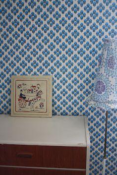 cornflower blue wallpaper