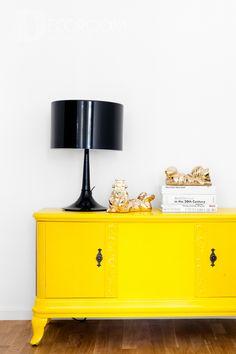 Żółta komoda