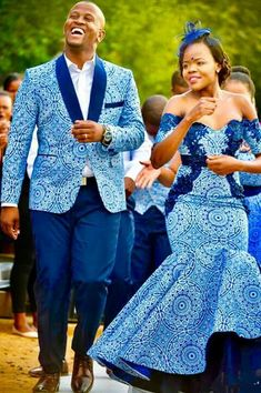 pictures of african traditional wedding dresses African Prom Dresses, Latest African Fashion Dresses, African Print Fashion, African Dress, African American Fashion, African Traditional Wedding Dress, Traditional Wedding Attire, Setswana Traditional Dresses, African Wedding Attire