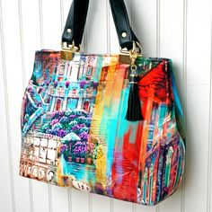 Sewing Bags For Women PDF - Miss Maggie's Handbag - A Free Pattern - Miss Maggie's Handbag is a great free sewing pattern for beginner to advanced bag maker. Using Emmaline Strap Anchors, it will be one of your favourite bags. Purse Patterns Free, Bag Pattern Free, Handbag Patterns, Bag Sewing Patterns, Quilted Purse Patterns, Emmaline Bags, Diy Handbag, Handbag Tutorial, Pouch Tutorial