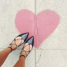 Inspiração de looks usando a sapatilha de amarrar Lace Up Flats!