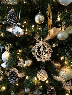 DIY Christmas Tree Decor with Pinecone and Ball Ornament Ideas - Decoration   Stupic.com