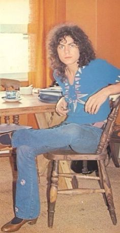 Marc waiting for his afternoon tea. 70s Music, Music Icon, Rock Music, Classic Rock Artists, American Folk Music, Electric Warrior, Marc Bolan, Great Memories, Glam Rock