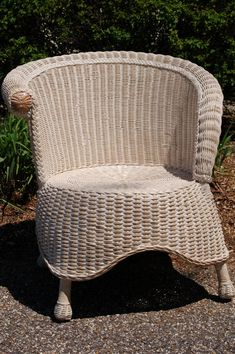 Wicker Chair - FREE SHIPPING, Wicker Photographer's Style Chair - free shipping in continental US