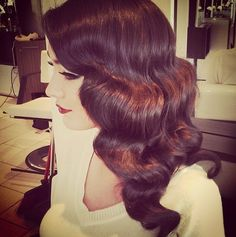 Great gatsby hairstyles, bridal hairstyle, vintage waves, vintage curls, re Retro Hairstyles, Wedding Hairstyles, Bridal Hairstyle, Gatsby Hairstyles, Peaky Blinders, Style Année 20, 1920s Hair, Flapper Hair, Gorgeous Hair