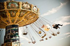 Swing rides!! but also this is an amazing picture haha, such a good idea. #swings #amusementpark #weddingpicture