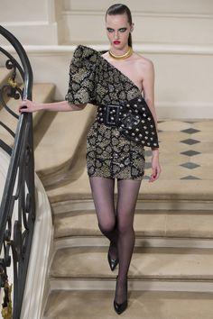 Saint Laurent Fall 2016 Ready-to-Wear Fashion Show - Liza Ostanina (Next)