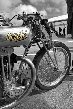 #custommotorcycles #motoscustom | caferacerpasion.com