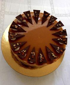 Ország tortája Hungarian Recipes, Hungarian Food, Creative Cakes, Oreo, Cake Decorating, Wedding Cakes, Dessert Recipes, Birthday Cake, Sweets
