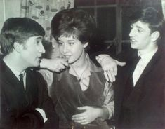 March John and Ringo with Helen Shapiro at the Odeon Theatre, Southport. The Beatles 1960, John Lennon Beatles, Queen Meme, Hits Movie, My Generation, The Fab Four, Ringo Starr, My Favorite Music, Pop Music