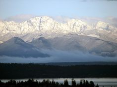 """I love seeing the Olympic mountains everyday . I couldn't help but pin this as a reminder of """"what's supposed to be""""! Snowpack is of normal as of Barely a dusting. Seattle Washington, Washington State, Olympic Mountains, Scenic Photography, Photography Tips, Olympic Peninsula, Far Away, Pacific Northwest, Places To See"""