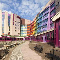 Zwolle , Isala Ziekenhuis mooie foto's op de site( Alberts & van Huut)