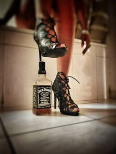 All things Jack Daniel's Crown Royal Drinks, Tennessee Girls, Whiskey Girl, Whiskey Room, Home Brewing Beer, Jim Beam, Jack Daniels Whiskey, Liquor Bottles, Alcohol Humor