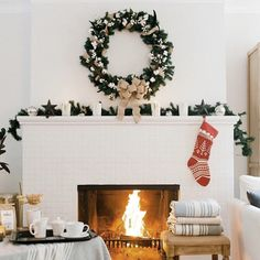 perfect Christmas mantle